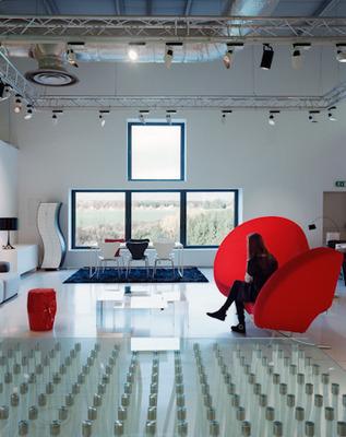 Angel's Sound - Groupe Smets Strassen ( Luxembourg) - Installation de deux structures pour éclairages de magasin